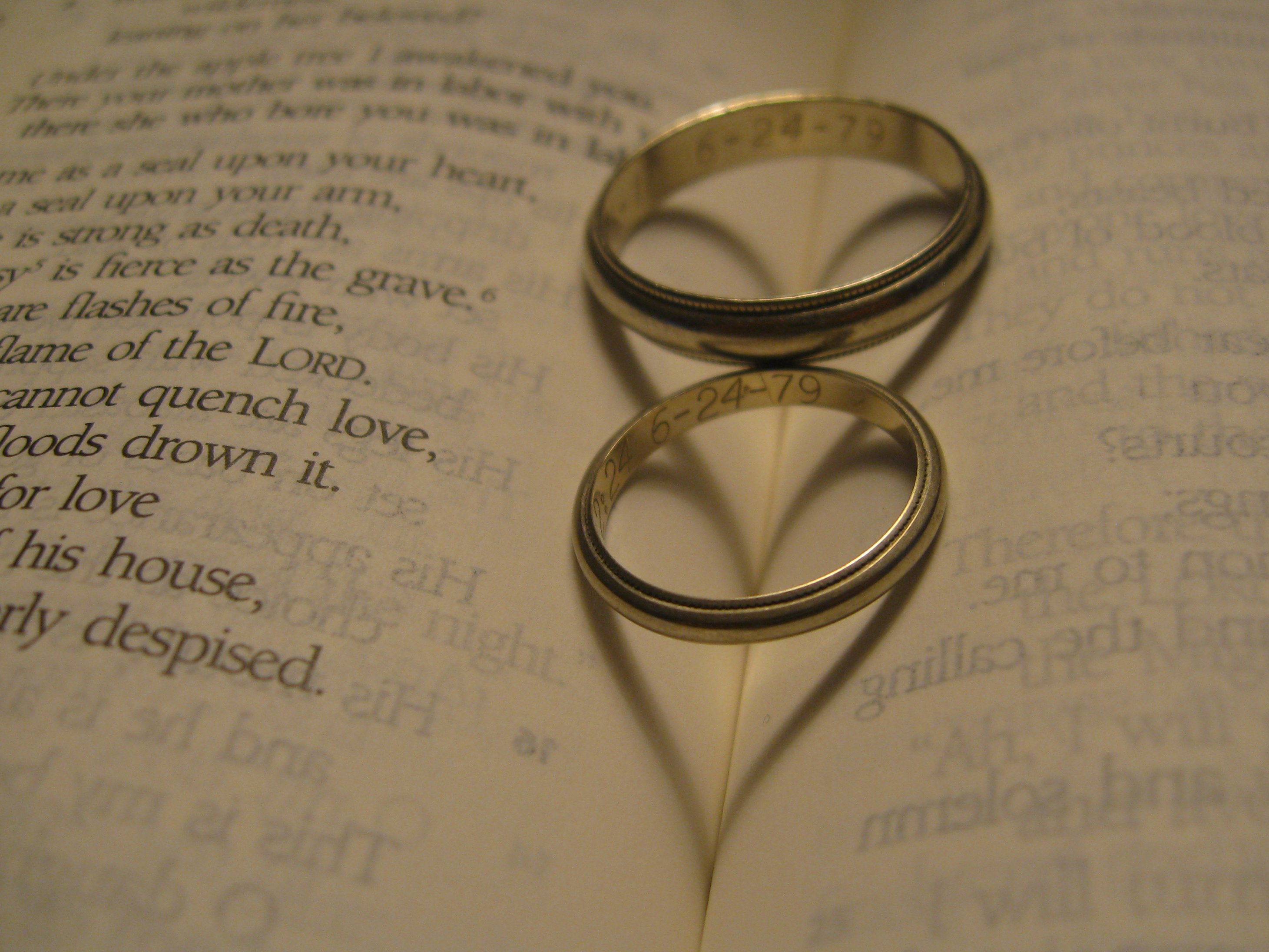 bands wedding goldman ring engagement f halo verse matvuk rings and stone gallery com matching amazing inside bible three